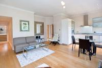 Apartment in Egerton Gardens...