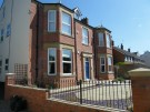 2 bed Apartment in Pine Lodge, Church View...
