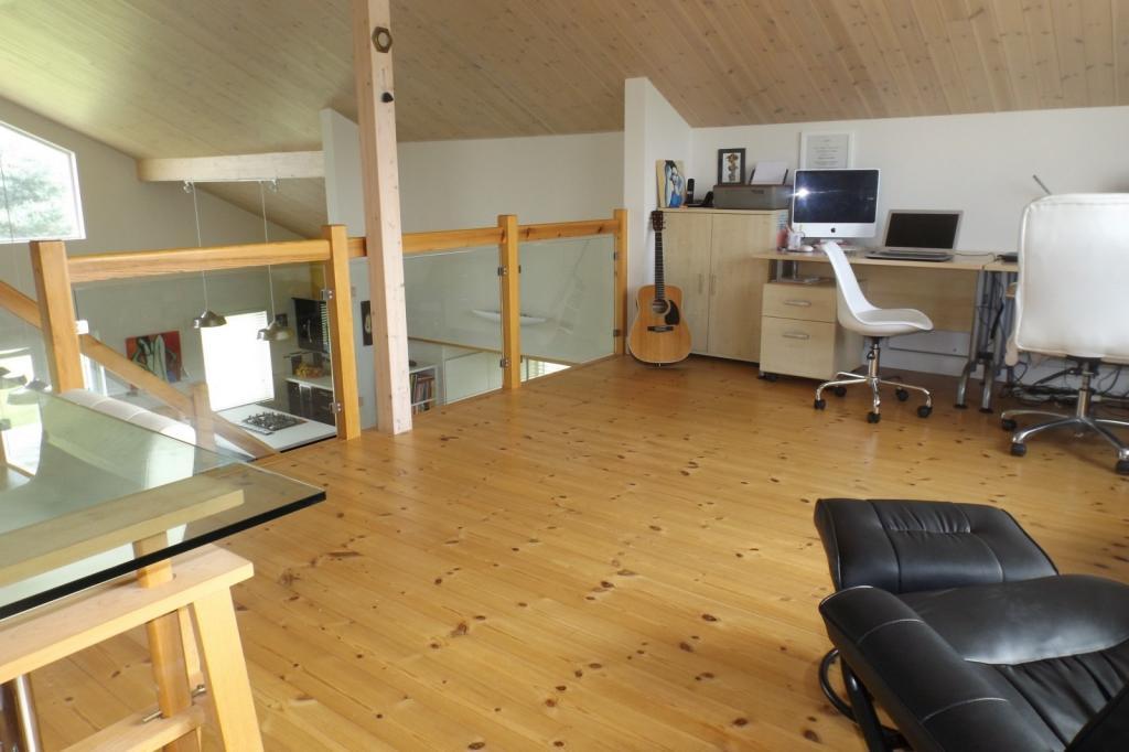 first floor bedroom2