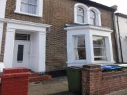 Apartment to rent in Elmdene Road, LONDON