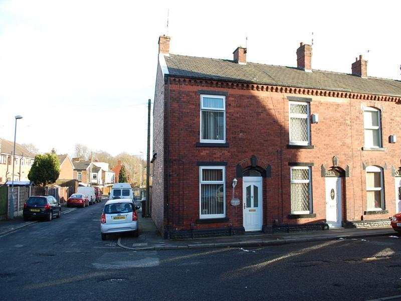 Reeds Rains  Bed House For Rent In Ashton