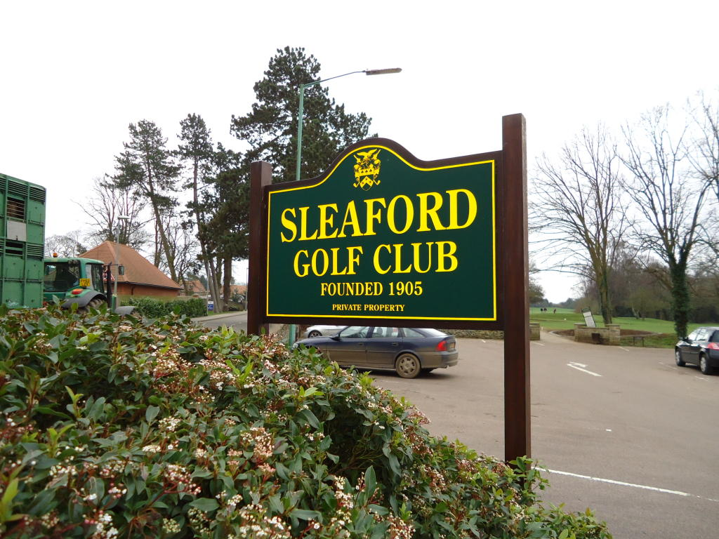 Sleaford Gold Club, Nearby
