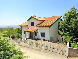 4 bedroom Detached home in Beira Litoral, Lousã