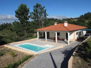 Detached Bungalow for sale in Ribatejo...