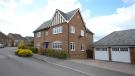Detached property to rent in Chineham Close
