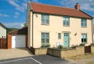 Detached house in EASTON - An attractive...