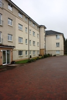 Flat to rent in 0/2 27 Loch Place...