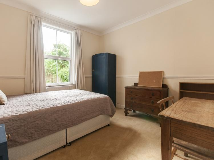Bedroom9