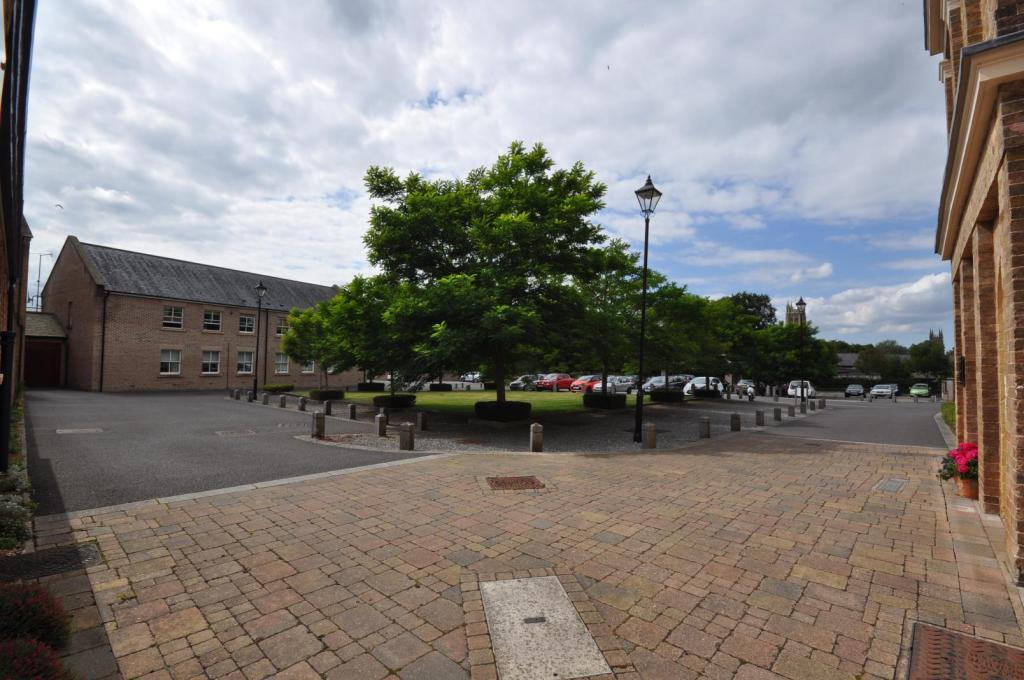 2 Bedroom Apartment For Sale In Annecy Court St Josephs Field Taunton Ta1