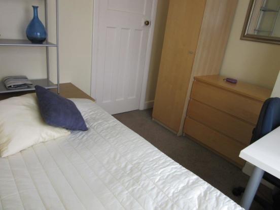 Bedroom 4 - Single
