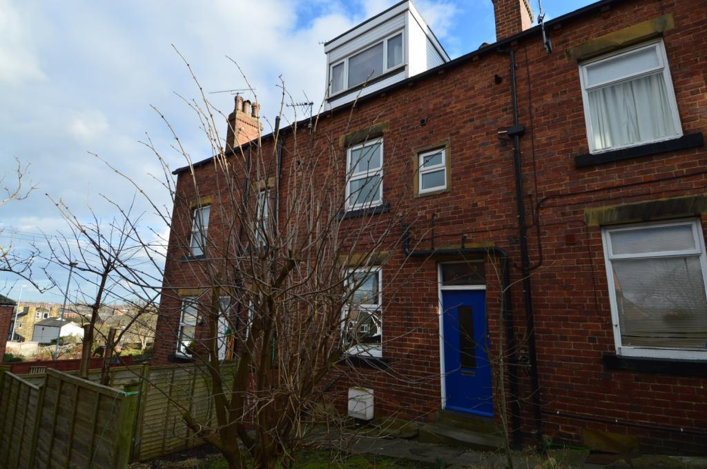 2 bedroom house to rent in alfred street churwell leeds