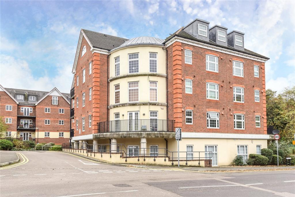 2 bedroom apartment for sale in dorchester court london road camberley surrey gu15 gu15 for 2 bedroom apartments in dorchester ma