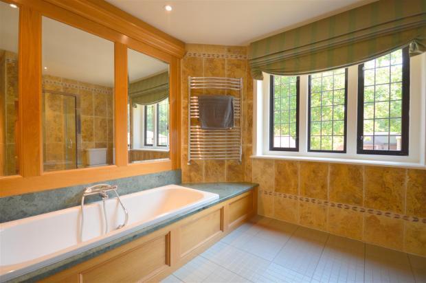 Family Bath/Shower R
