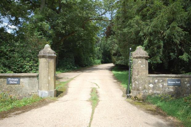 Broome Hall Entrance