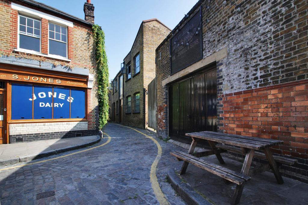 2 bedroom house for sale in providence yard ezra street for Furniture xpress bethnal green