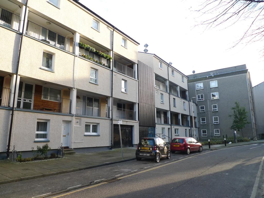 2 Bedroom Flat To Rent In Viewcraig Gardens Edinburgh Eh8