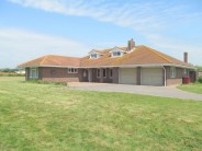 3 bedroom Detached Bungalow to rent in Cakeham Road...