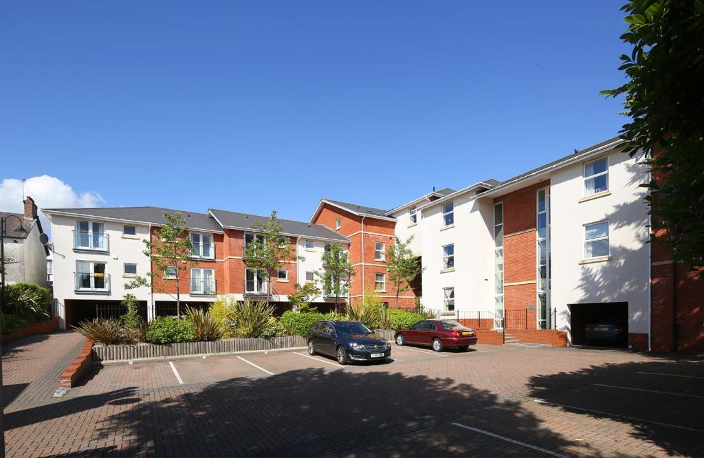 Clive Hall Court 169