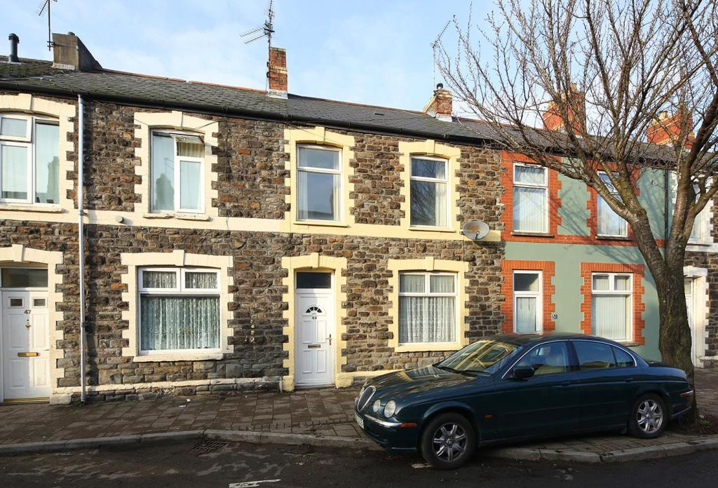 Property For Sale Pearl Street Cardiff