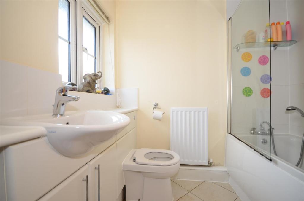 9013jwh5 - bathro...