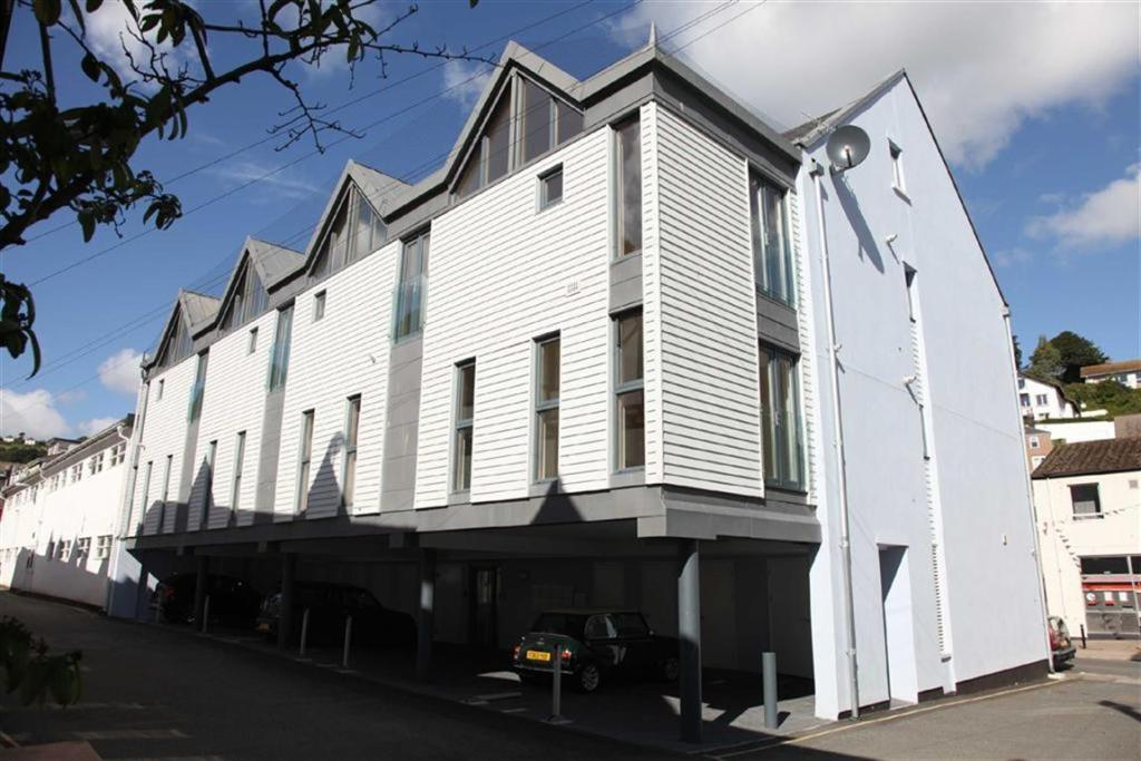 2 bedroom apartment for sale in town centre dartmouth