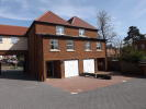 5 bed semi detached property in Alan Road,