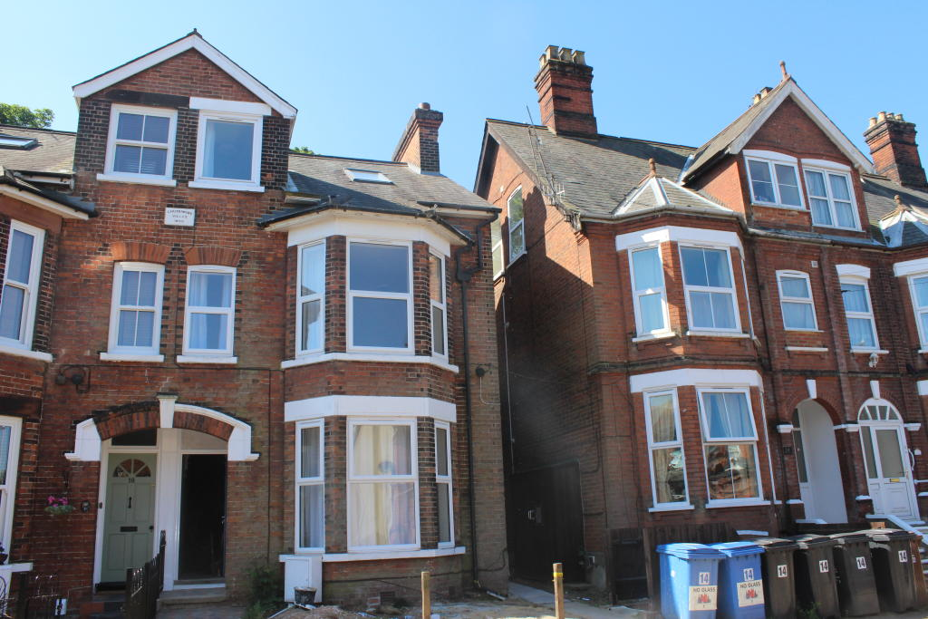Studio Flat To Rent In Gippeswyk Road Ipswich Ip2