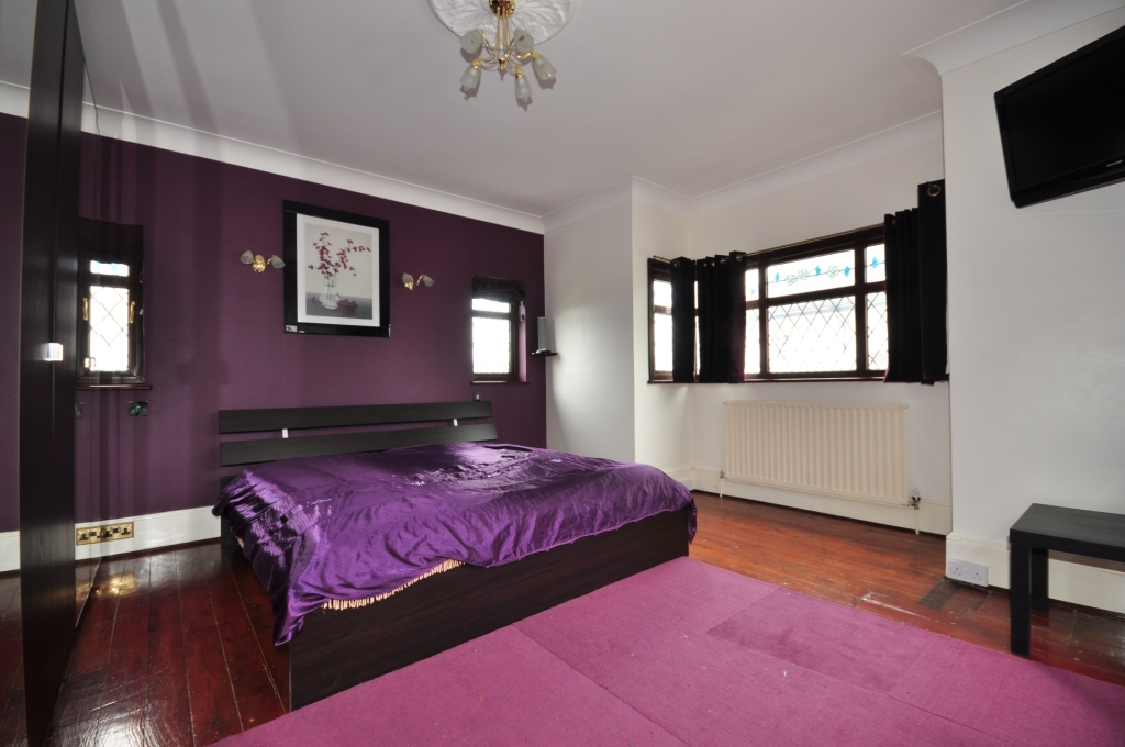 Black purple bedroom design ideas photos inspiration for Black and purple bedroom ideas