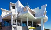 5 bed Villa for sale in Burgau, Algarve, Portugal