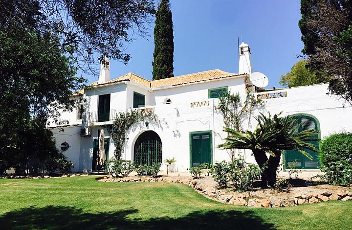 6 bedroom Villa for sale in Almancil, Algarve...