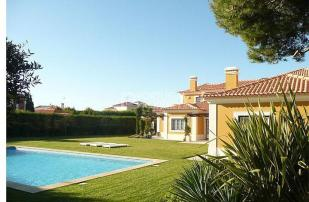 Villa for sale in Cascais...