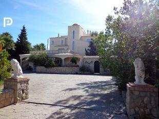 8 bed Villa for sale in Burgau, Algarve, Portugal