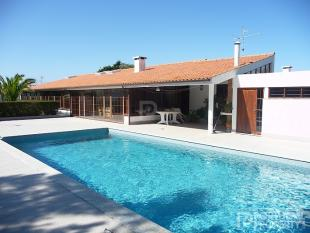 4 bed Villa for sale in Esposende...