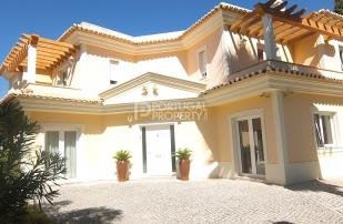 4 bed Villa for sale in Sao Bras, Algarve...