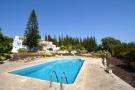 Villa for sale in Algarve, Almancil