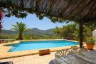 Villa for sale in Alcalalí, Alicante...