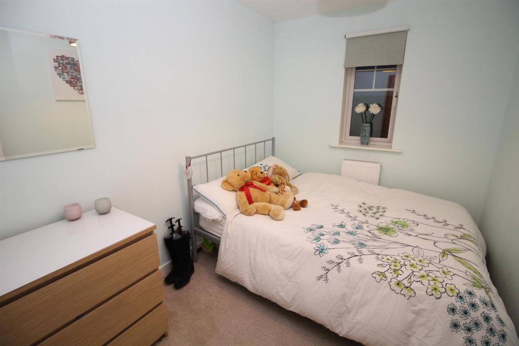 S V 122 Bed 2.JPG