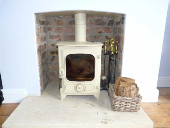 Feature log burner p