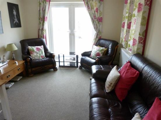 Additional lounge ar