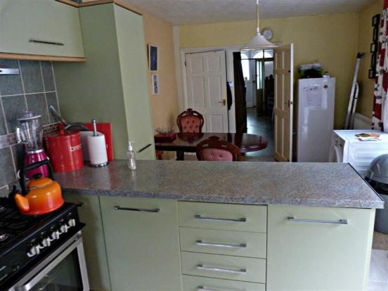 Additional kitchen/b