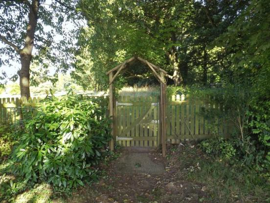 GATE TO COMMUN...