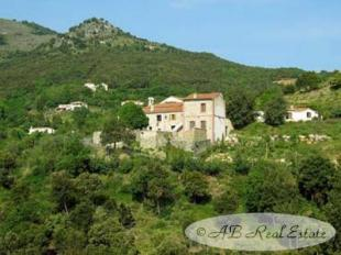 house for sale in Céret...