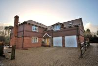 4 bedroom Detached home in Main Road...
