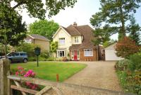 4 bed Detached home in Vine Lane, Farnham