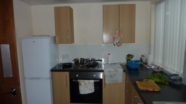 Shared kitchen in Balby