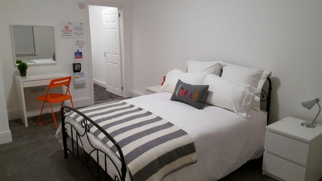Large double bedroom Bentley