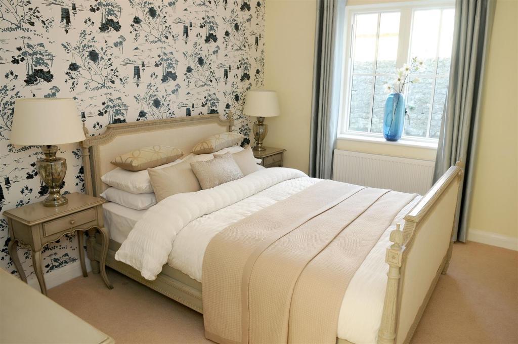 3. Bedroom a.JPG