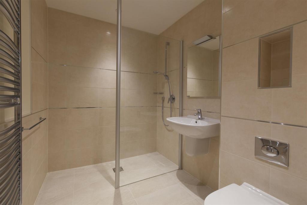 Audley bathroom (2).
