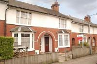 Essex Road Terraced house to rent