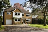 5 bed Detached property for sale in Coombe Neville...